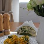 Jak ugotować kukurydzę? Z masłem czosnkowym, ziołami i chilli!